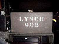 Lynch_Mob_gear