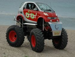 Smart-car-monster-truck